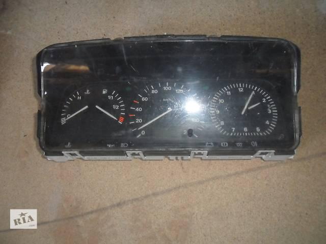 купить бу Б/у панель приборов/спидометр/тахограф/топограф для легкового авто Volkswagen Passat B3 в Дубно (Ровенской обл.)