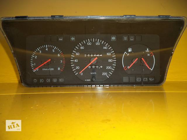 бу Б/у панель приборов/спидометр/тахограф/топограф для легкового авто Volvo 440 Bensin в Луцке
