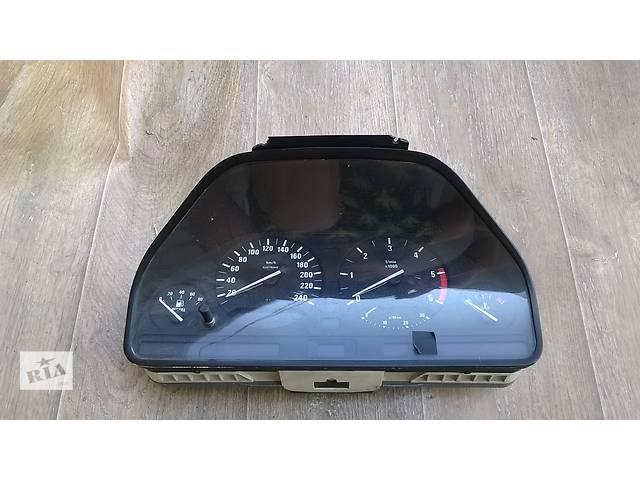 купить бу Б/у панель приборов/спидометр/тахограф/топограф для седана BMW E34 1993г в Николаеве