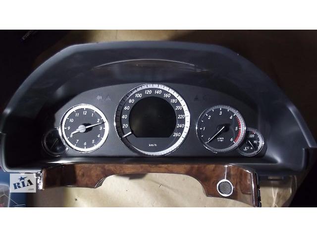 бу Б/у панель приборов/спидометр/тахограф/топограф для седана Mercedes E-Class 2010 в Черновцах