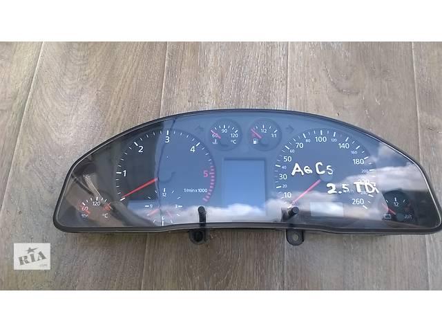 купить бу Б/у панель приборов/спидометр/тахограф/топограф для универсала Audi A6 C5 1999г в Киеве