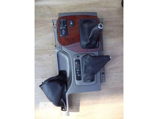 бу Б/у панель центральной консоли 58821-60080 для кроссовера Lexus GX 470 2002-2009г в Киеве
