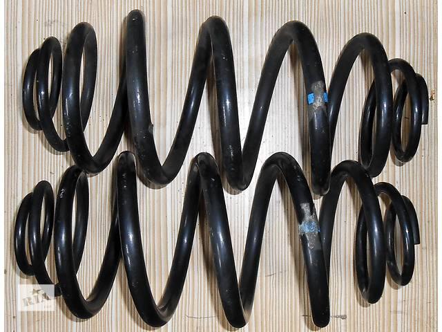 купить бу Б/у Пассажирская пружина задняя/передняя Mercedes Vito (Viano) Мерседес Вито (Виано) V639 (109, 111, 115, 120) в Ровно