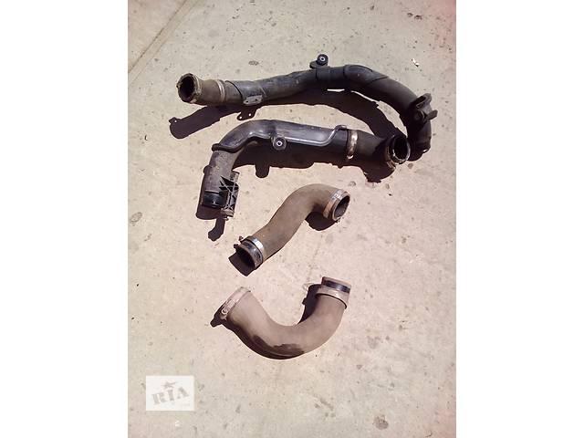 купить бу Б/у патрубок интеркуллера для седана Volkswagen Passat B7 в Луцке