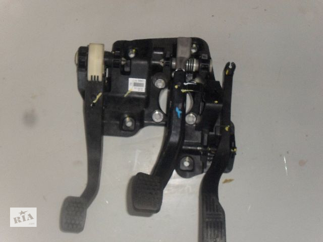 продам Б/у педаль для легкового авто Chevrolet Spark 1.0 бу в Ровно