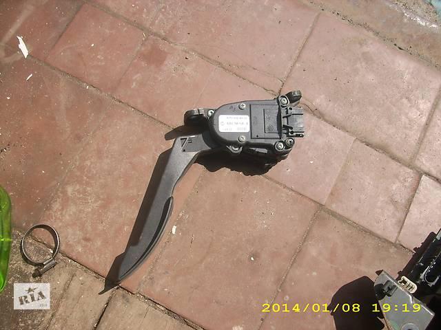 продам Б/у педаль газа для легкового авто Dacia Logan бу в Львове