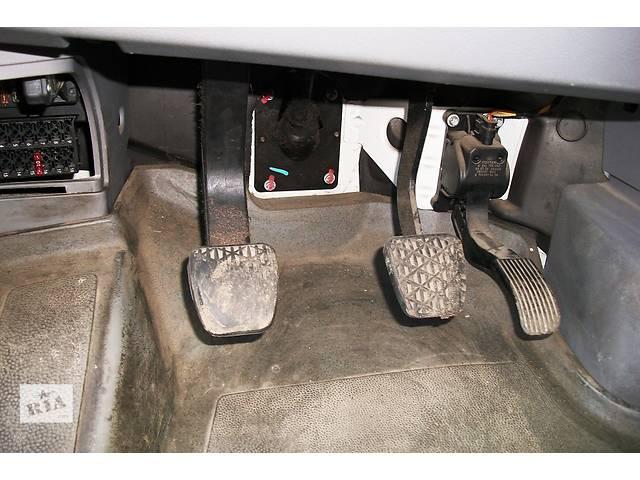 купить бу Б/у Педаль газа тормоза сцепления Volkswagen Crafter Фольксваген Крафтер 2.5 TDI 2006-2012 в Рожище