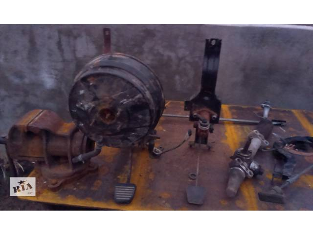 купить бу Б/у педаль сцепления для грузовика Mitsubishi Canter в Херсоне