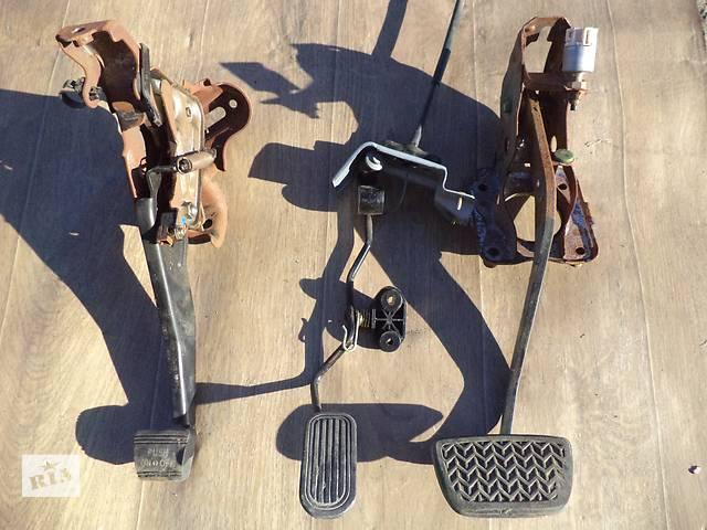купить бу Б/у педаль тормоза для кроссовера Lexus RX 300(I) 2000г в Киеве