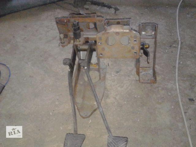 продам Б/у педаль тормоза для легкового авто Mitsubishi Galant 1990 бу в Виннице