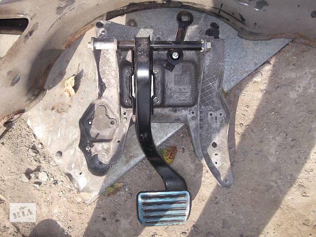купить бу Б/у педаль тормоза для легкового авто Porsche Cayenne Turbo 2005 в Днепре (Днепропетровске)