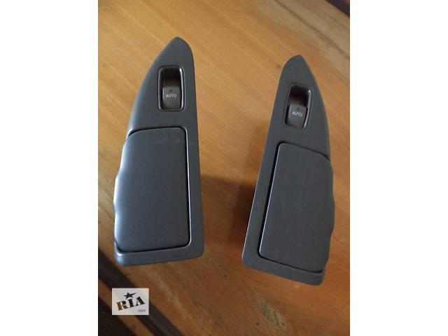 продам Б/у пепельница в заднюю карту двери (подлокотник) для кроссовера Lexus GX 470 2002-2009г бу в Николаеве