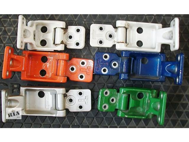 купить бу Б/у Петля двери для Volkswagen Crafter Фольксваген Крафтер 2.5 TDI в Рожище