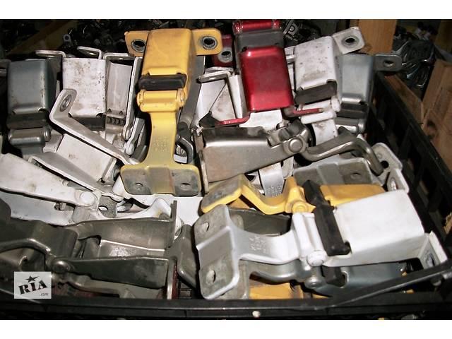 Б/у Петля двери Легковой Renault Kangoo 1,5 DCI 2010 Пассажирский- объявление о продаже  в Луцке