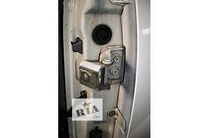 б/у Петля двери Renault Kangoo