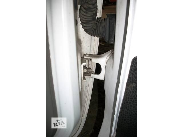 продам Б/у Петля передней двери Завіси Renault Kangoo Рено Канго Кенго2 2008-2012 бу в Рожище