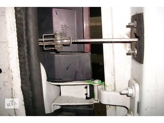 купить бу Б/у Петля передней двери Завіси Renault Kangoo Рено Канго Кенго2 2008-2012 в Рожище