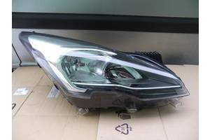 б/у Фары Peugeot 3008