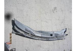 б/у Пластик под лобовое стекло Nissan Primera