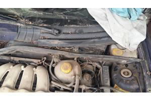 б/у Пластик под лобовое стекло Opel Tigra