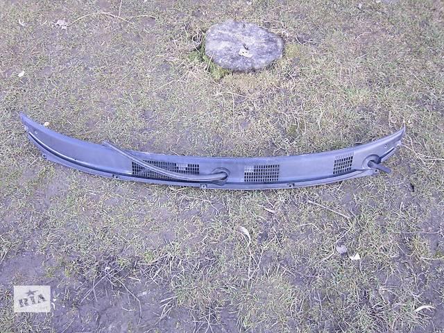 Б/у пластик под лобовое стекло для легкового авто Mitsubishi Carisma- объявление о продаже  в Луцке