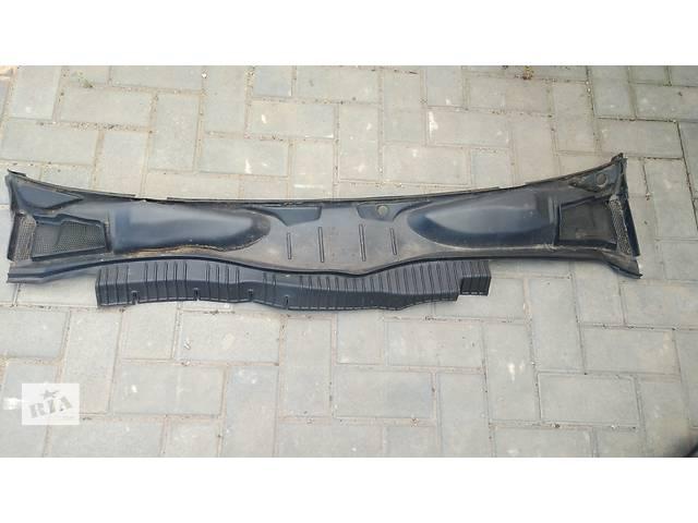 продам Б/у пластик под лобовое стекло для легкового авто Opel Vectra A бу в Умани