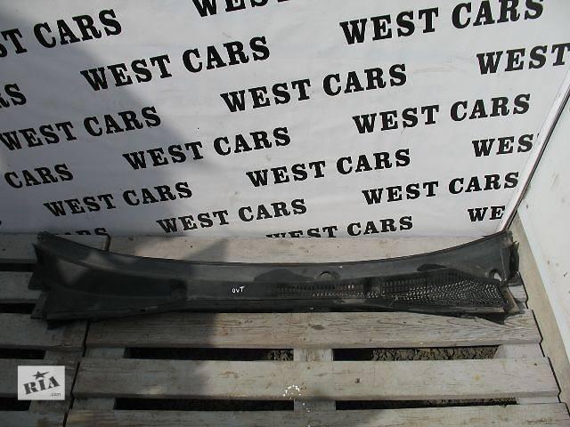 купить бу Б/у пластик под лобовое стекло для легкового авто Subaru Outback 2006 в Луцке