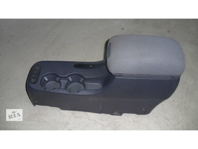 продам Б/у подлокотник для легкового авто Hyundai Tucson 2008 бу в Коломые