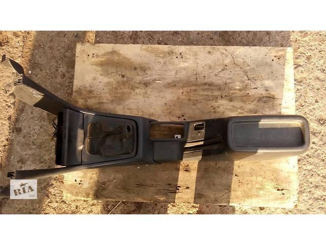 купить бу Б/у подлокотник для седана Honda Accord CC7 1993-1995г в Николаеве