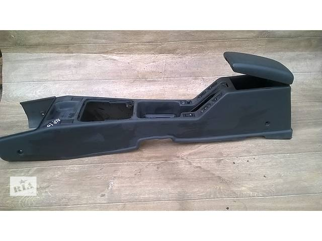 бу Б/у подлокотник для седана Nissan Primera P10 1993г в Николаеве