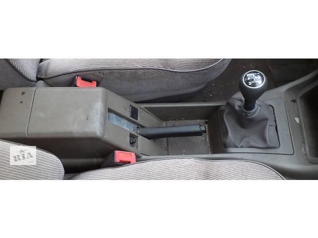 купить бу Б/у подлокотник для седана Peugeot 405 1987-1993г в Николаеве