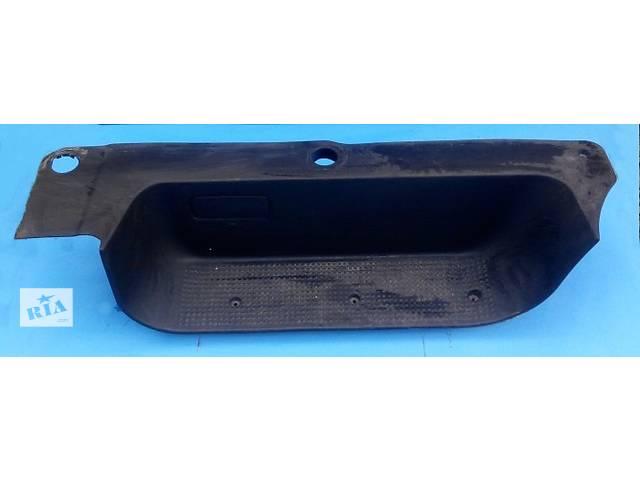 продам Б/у подножка передней двери Renault Trafic 1.9, 2.0, 2.5 Рено Трафик (Vivaro, Виваро) 2001-2009гг бу в Ровно