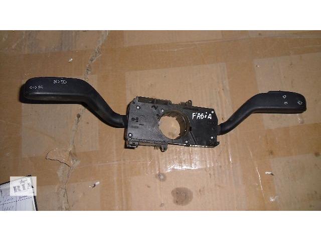 купить бу Б/у подрулевой переключатель поворотов для легкового авто Skoda Fabia 2008 в Коломые