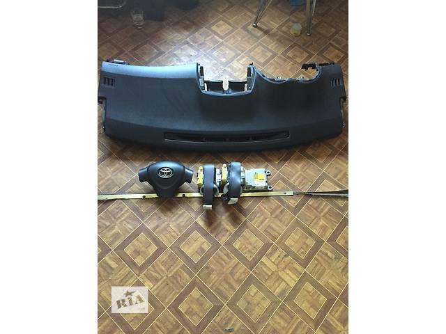 продам Б/у подушка безопасности для седана Toyota Corolla бу в Киеве