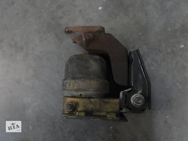купить бу Б/у подушка двигуна для легкового авто Ford Galaxy VW Sharan 95VW6B032 в Львове