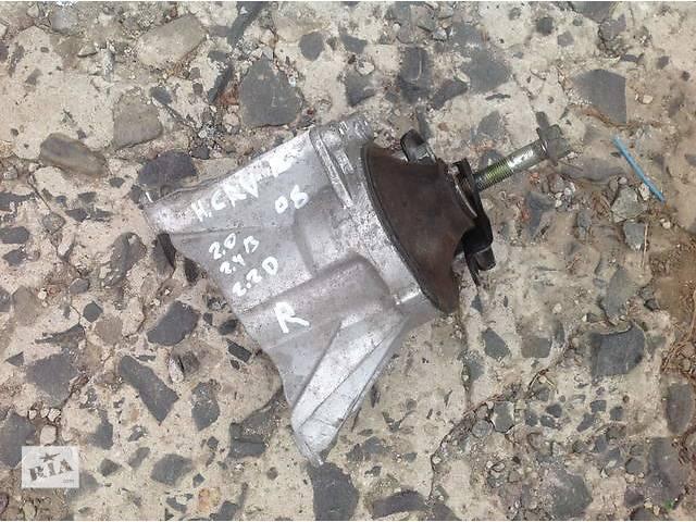 купить бу Б/у подушка мотора для легкового авто Honda CR-V в Ровно