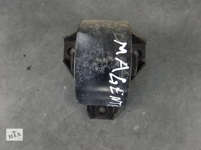 Б/у подушка двигуна для легкового авто KIA Magentis Carens 2.0 21911-2G500,21912-2G000- объявление о продаже  в Львове