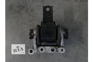 б/у Подушка мотора