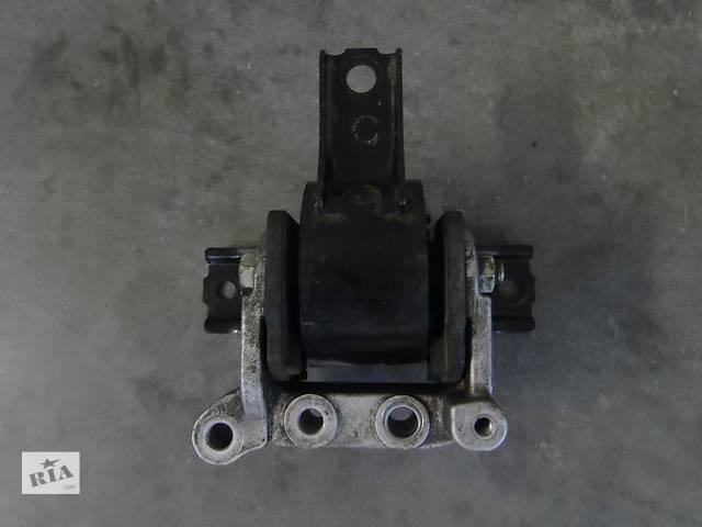 купить бу Б/у подушка двигуна права для легкового авто Mitsubishi Lancer X 08-13р. 4A92 в Львове
