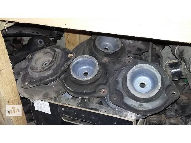 купить бу Б/у Подушка стойки стійки Renault Kangoo Кенго 1,5 DCI К9К B802, N764 2008-2012 в Рожище