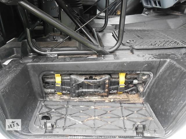 Б/у Пол ориг. передняя часть ковёр салона для автобуса Ford Transit с 2006г. - объявление о продаже  в Ровно