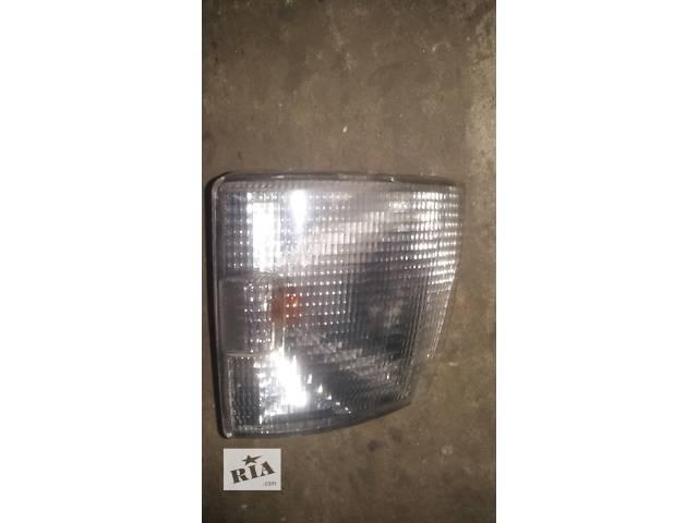 продам Б/у поворотник/повторитель поворота для легкового авто Volkswagen T4 (Transporter) бу в Ковеле