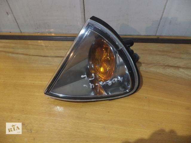продам Б/у поворотник/повторитель поворота передний левый 81520-05020, 81520-05030 для седана Toyota Avensi бу в Киеве