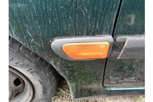 б/у Поворотники/повторители поворота Toyota Avensis