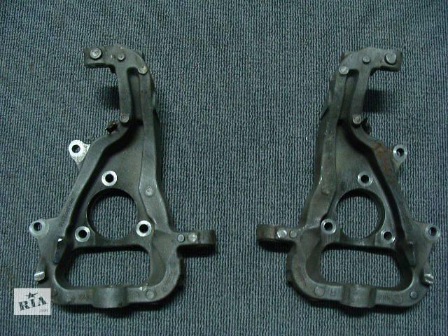 купить бу Б/у поворотный кулак левый 52106721AB,52106723AB  для авто Dodge RAM 2002-2008 в Киеве
