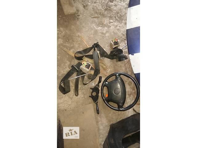 бу Б/у преднатяжитель ремня безопасности для легкового авто Peugeot 306 в Ровно