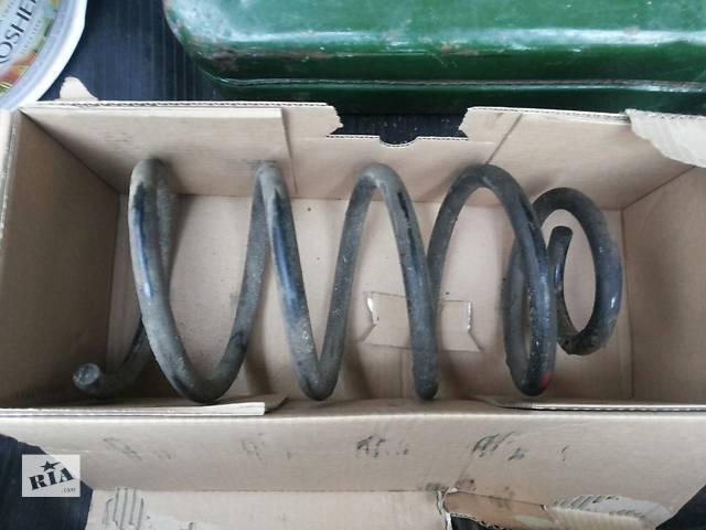купить бу Б/у пружина передняя Mercedes Vito 1996-2003 в Киеве