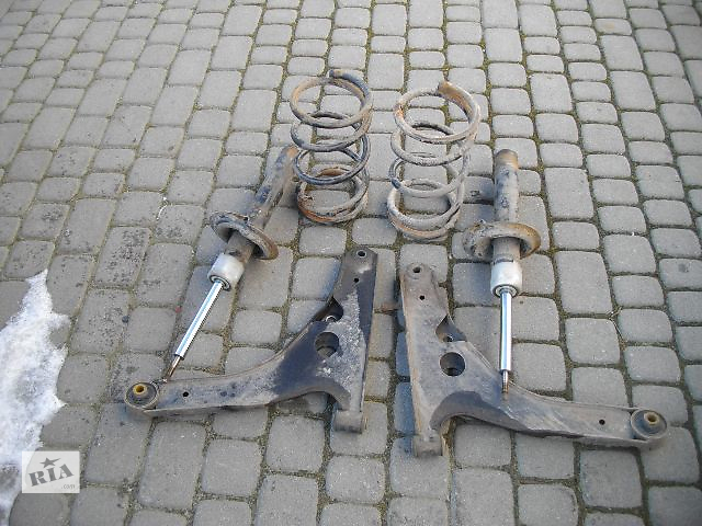 купить бу Б/у пружина задняя/передняя для легкового авто Ford Transit 2005 в Львове