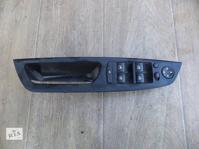 продам Б/у пульт управления стеклоподьёмниками для кроссовера BMW X5 Е70 2008г бу в Николаеве