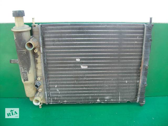 продам Б/у радіатор для легкового авто Fiat Bravo бу в Луцке